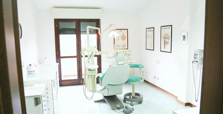 Dentista Olbia: poltrona e materiali di ultima generazione