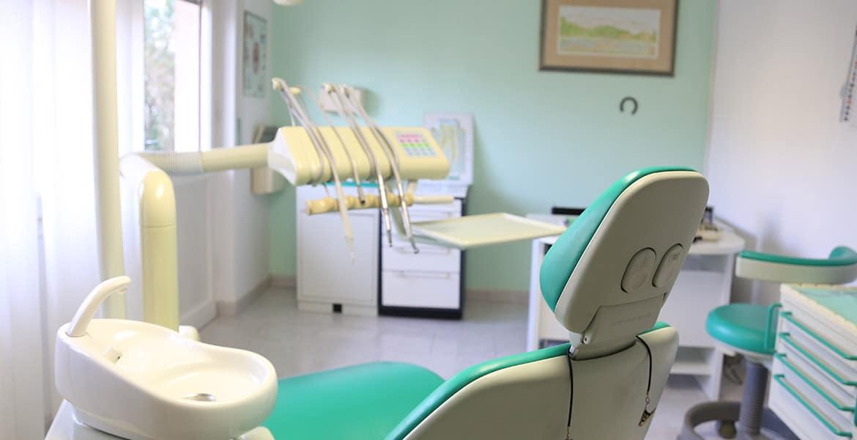 Dentista Sassari: Dott. Franco Amadori